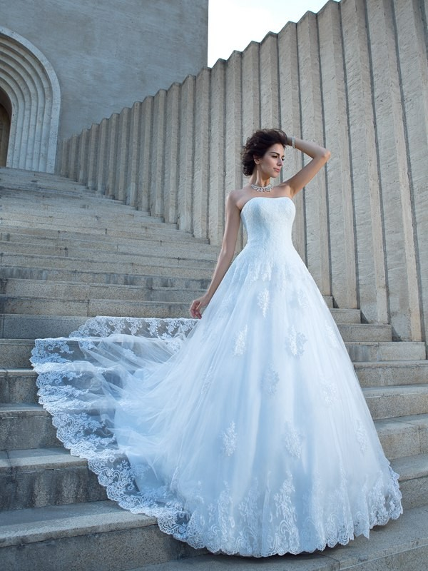Ball Gown Spaghetti Straps Applique Sleeveless Long Satin Wedding Dresses