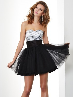 A-Line/Princess Sweetheart Beading Sleeveless Short Organza Dresses