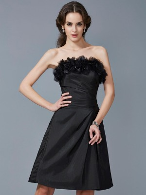 Sheath/Column Strapless Sleeveless Hand-Made Flower Short Taffeta Bridesmaid Dresses