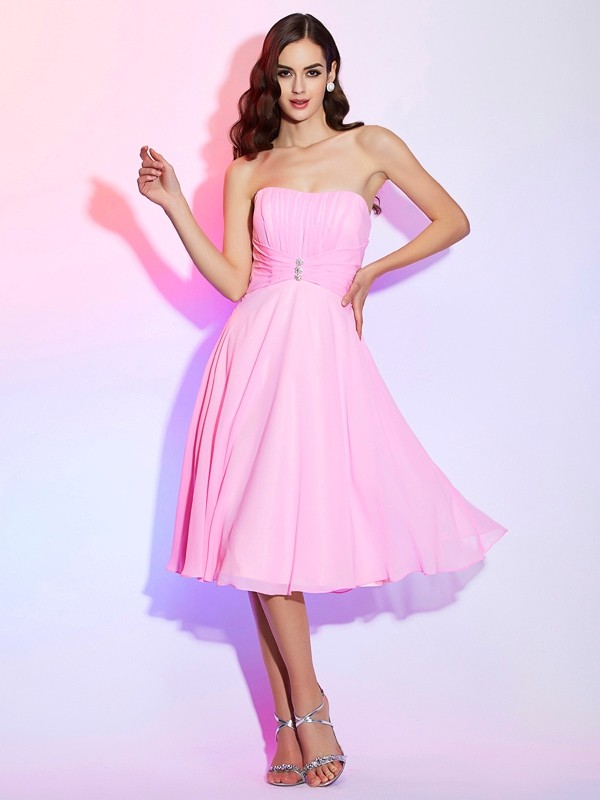 A-Line/Princess Strapless Sleeveless Pleats Short Chiffon Bridesmaid Dresses