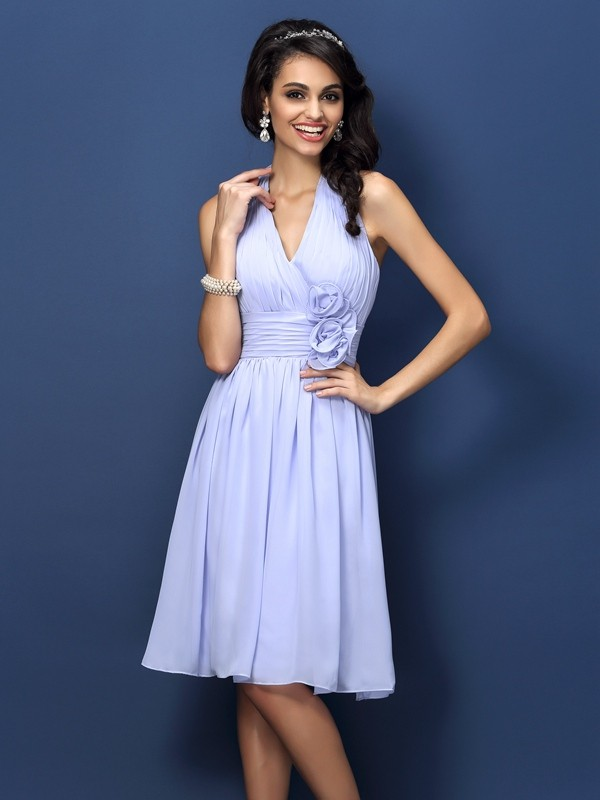 A-Line/Princess Halter Hand-Made Flower Sleeveless Short Chiffon Bridesmaid Dresses