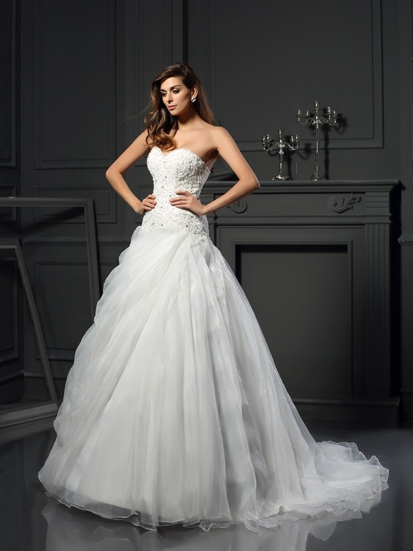 Ball Gown Sweetheart Ruffles Sleeveless Long Organza Wedding Dresses