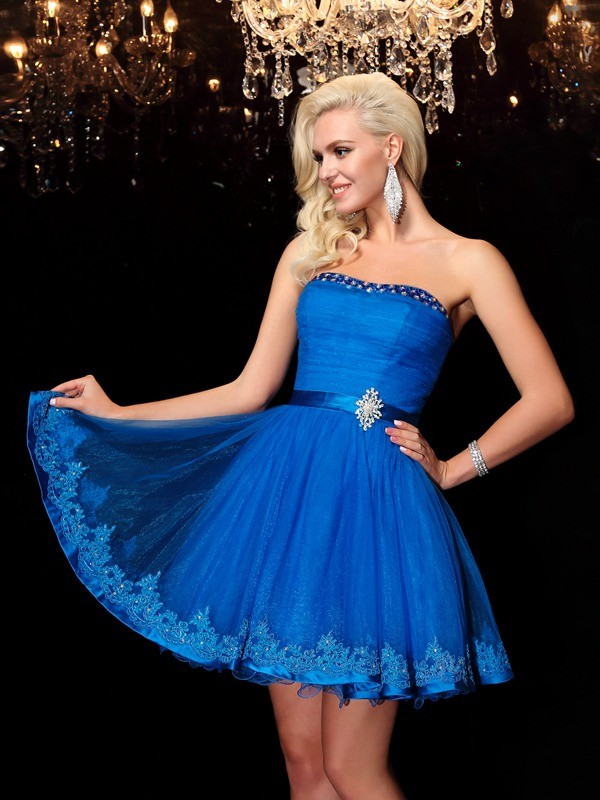 A-Line/Princess Strapless Beading Sleeveless Short Net Dresses