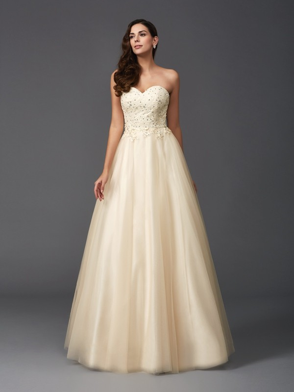 A-Line/Princess Sweetheart Beading Sleeveless Long Net Dresses