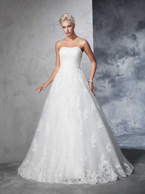 Ball Gown Strapless Lace Sleeveless Long Lace Wedding Dresses
