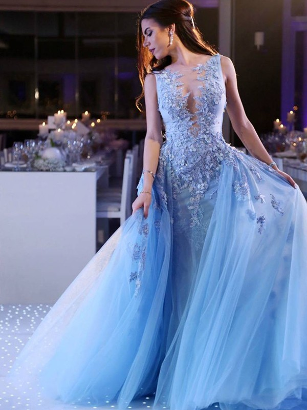 Ball Gown Sleeveless Scoop Sweep/Brush Train Applique Tulle Dresses