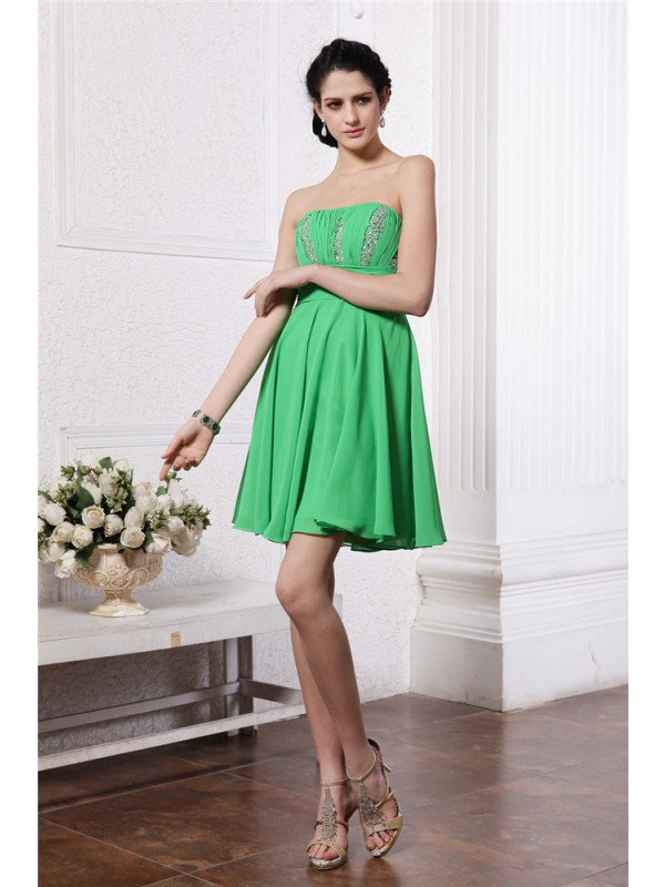 Sheath/Column Strapless Sleeveless Beading Pleats Short Chiffon Cocktail Dresses