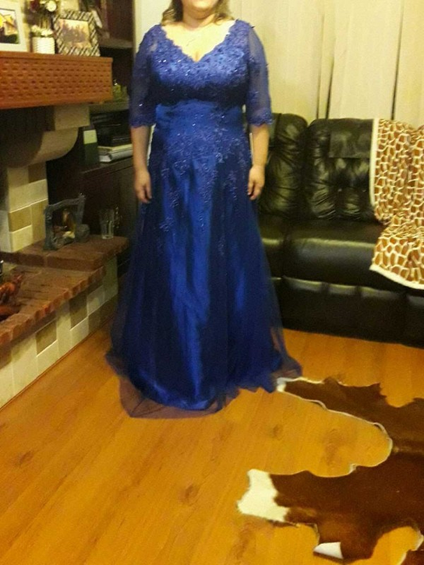 A-Line V-neck 1/2 Sleeves Applique Floor-Length Tulle Mother Of The Bride Dresses