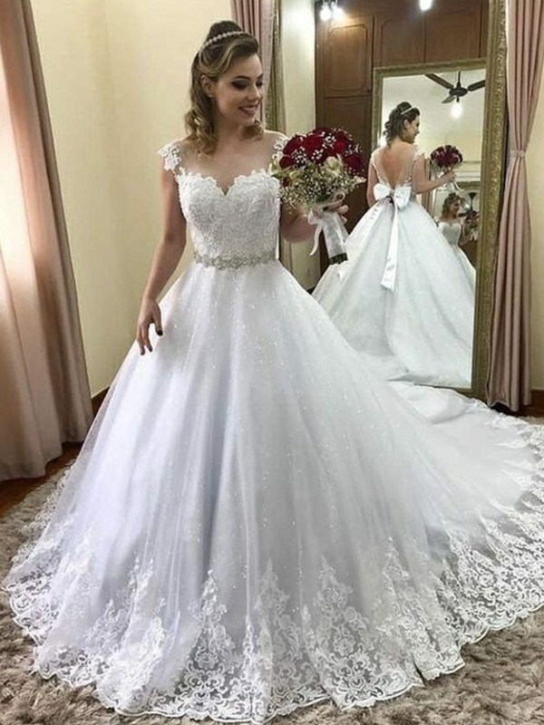 Ball Gown Sweetheart Sleeveless Court Train Beading Tulle Wedding Dresses