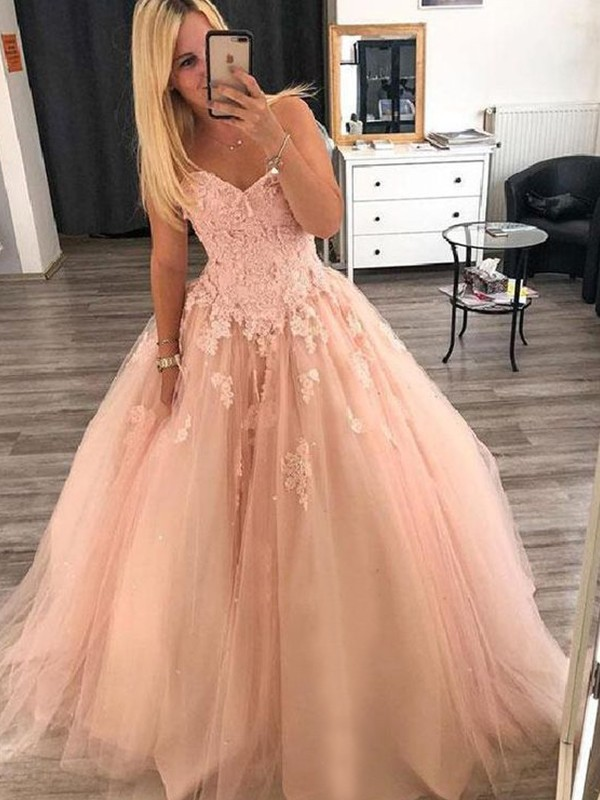 Ball Gown Sweetheart Floor-Length Applique Tulle Dresses