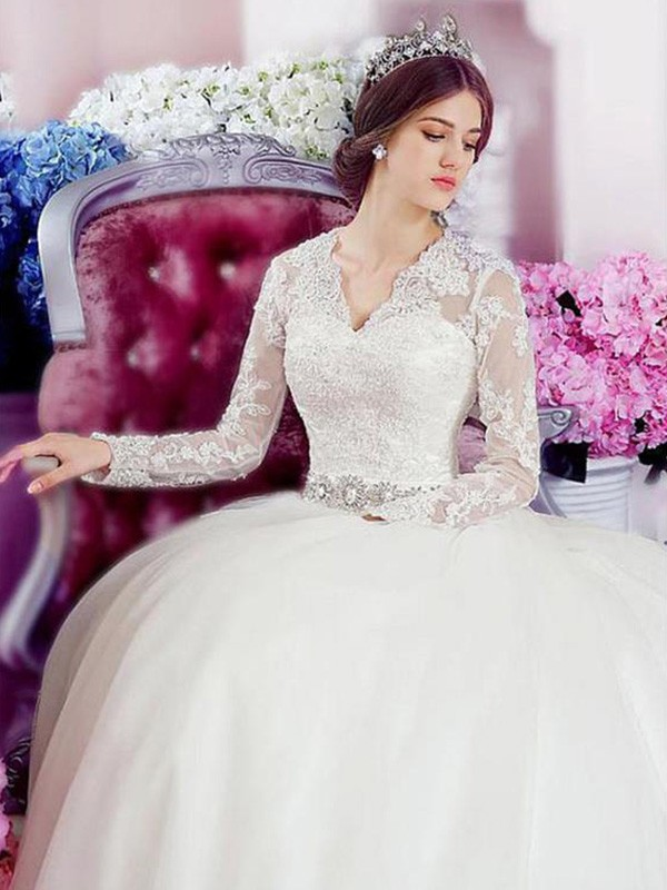 A-Line Long Sleeves V-neck Cathedral Train Lace Tulle Wedding Dress