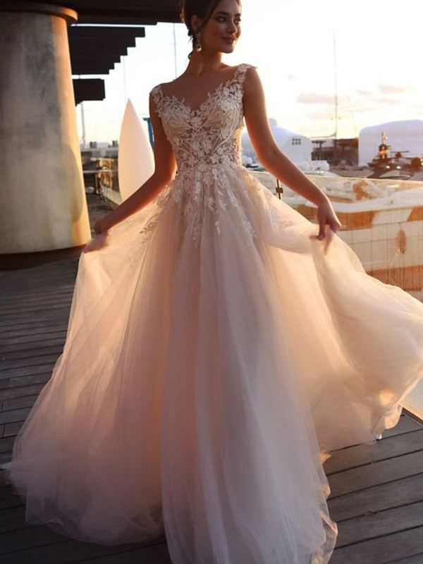 A-Line Bateau Short Sleeves Sweep/Brush Train Tulle Applique Wedding Dresses
