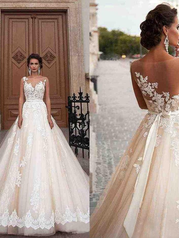 A-Line Scoop Sleeveless Court Train Tulle Applique Wedding Dresses