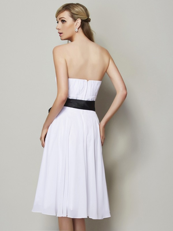 A-Line/Princess Strapless Sleeveless Sash/Ribbon/Belt Short Chiffon Bridesmaid Dresses