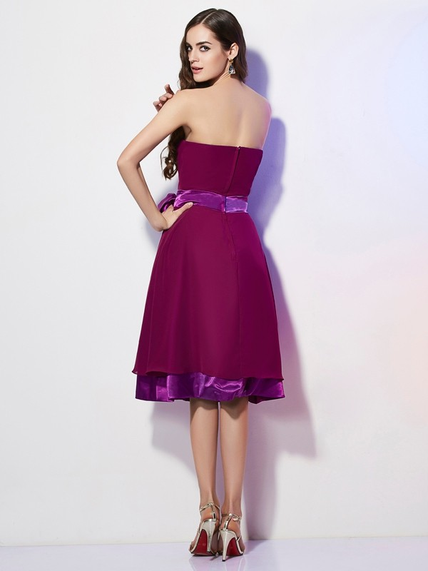 A-Line/Princess Strapless Sleeveless Bowknot Short Chiffon Bridesmaid Dresses