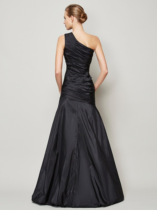 A-Line/Princess One-Shoulder Sleeveless Pleats Long Taffeta Bridesmaid Dresses