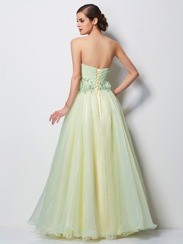 A-Line/Princess Sweetheart Sleeveless Hand-Made Flower Long Satin Dresses