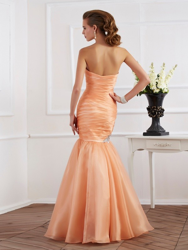 Trumpet/Mermaid Strapless Sleeveless Beading Long Tulle Dresses