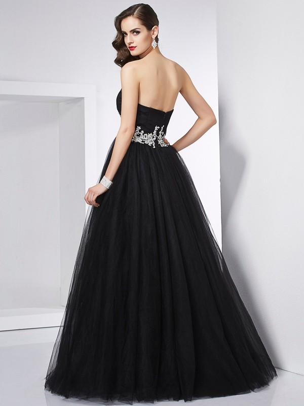 Ball Gown Sweetheart Sleeveless Applique Long Net Quinceanera Dresses