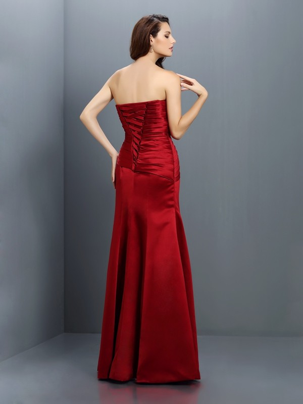 Sheath/Column Strapless Pleats Sleeveless Long Satin Bridesmaid Dresses