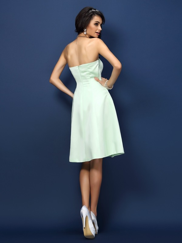 A-Line/Princess Strapless Sleeveless Short Satin Bridesmaid Dresses