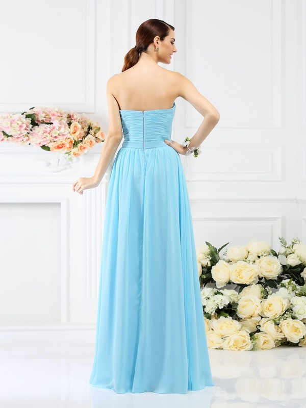 A-Line/Princess Sweetheart Pleats Hand-Made Flower Sleeveless Long Chiffon Bridesmaid Dresses