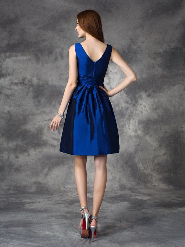 A-line/Princess V-neck Ruched Sleeveless Short Taffeta Bridesmaid Dresses