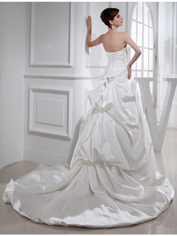 A-Line/Princess Beading Applique Strapless Sleeveless Long Satin Wedding Dresses