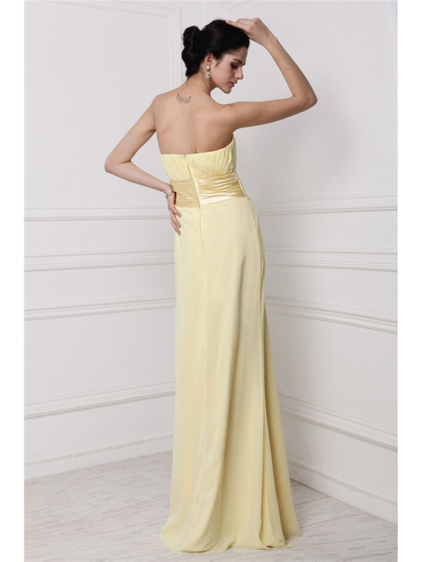 Sheath/Column Strapless Sleeveless Pleats Hand-Made Flower Long Chiffon Bridesmaid Dresses