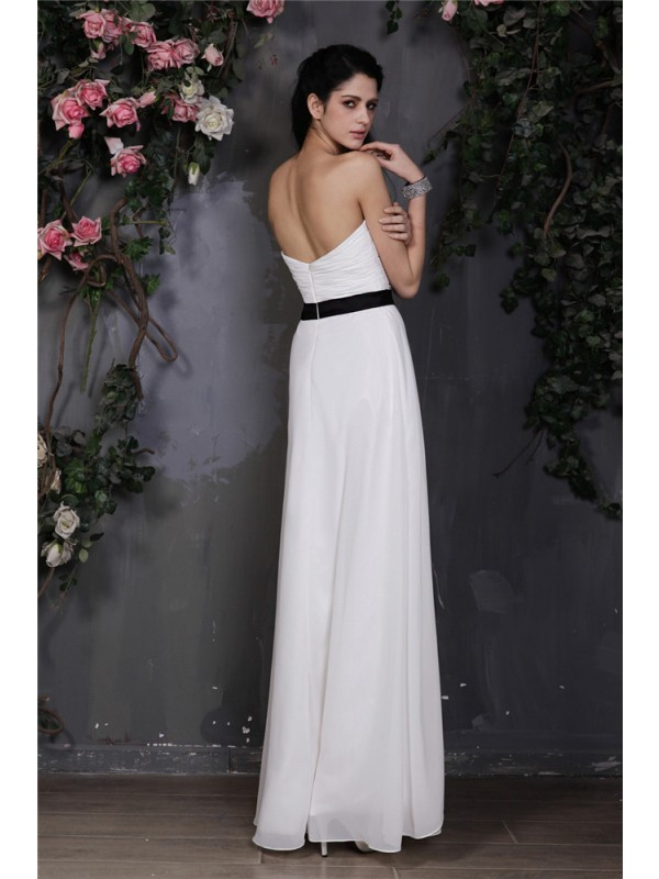 Sheath/Column Sweetheart Sleeveless Pleats Hand-Made Flower Long Chiffon Bridesmaid Dresses