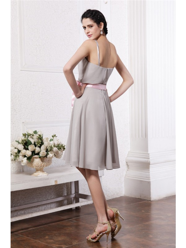 Sheath/Column Scoop Sleeveless Sash Short Chiffon Bridesmaid Dresses