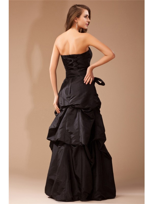 A-Line/Princess Strapless Sleeveless Ruffles Long Taffeta Dresses