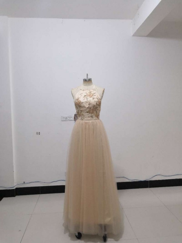 A-Line Sleeveless Halter Floor-Length Applique Tulle Dresses