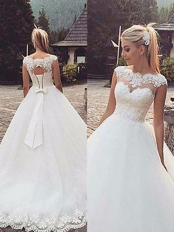 Ball Gown Sleeveless Bateau Lace Tulle Court Train Wedding Dresses ... e9a18cf69