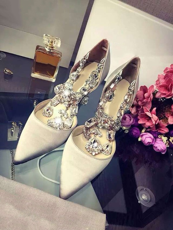 Women's Closed Toe Satin Stiletto Heel With Rhinestone Chain High Heels